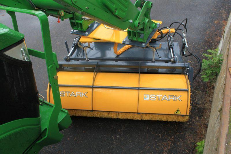 Реверсная щетка-ковш STARK RF700