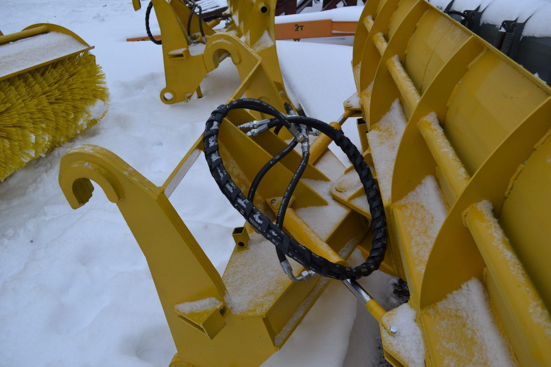 Снежный передний поворотный отвал для погрузчиков ТЦ ПМ (собственное производство)